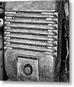 Drive In Movie Speaker In Black And White Metal Print by Paul Ward
