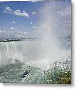 Horseshoe Falls With Maid Of The Mist Metal Print by Peter Mintz
