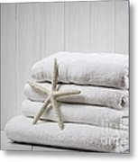 New White Towels Metal Print by Amanda Elwell