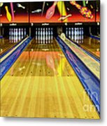 Waiting For You In The Alley Metal Print by Bob Christopher