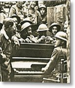 Yankee Soldiers Around A Piano Metal Print by Photo Researchers