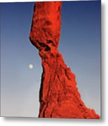 Balanced Rock And Moon Metal Print by William Gillam