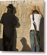 Orthodox Jew And Soldier Pray, Western Metal Print by Richard Nowitz