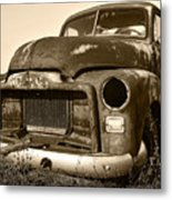 Rusty But Trusty Old Gmc Pickup Metal Print by Gordon Dean II