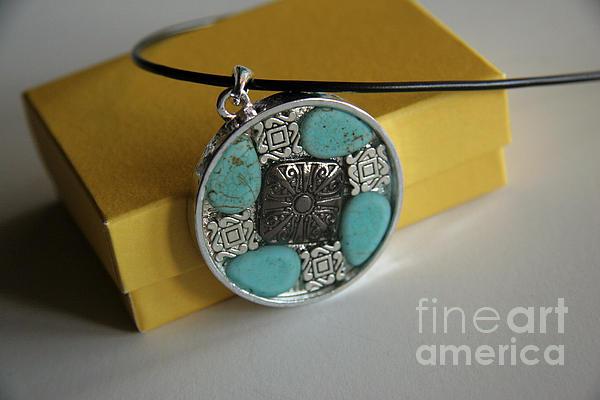 Pendant Jewelry by Afrodita Ellerman