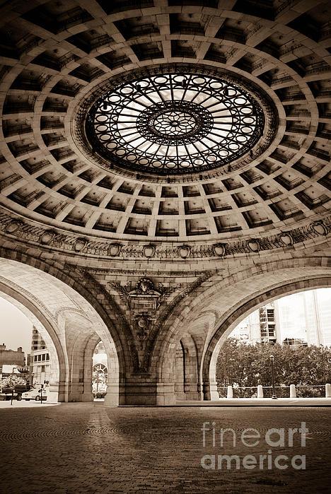 Apartment Photograph - Grand Rotunda Pennsylvanian Pittsburgh by Amy Cicconi
