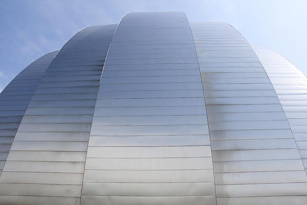 Architecture Photograph - Kauffman Center For Performing Arts by Mike McGlothlen