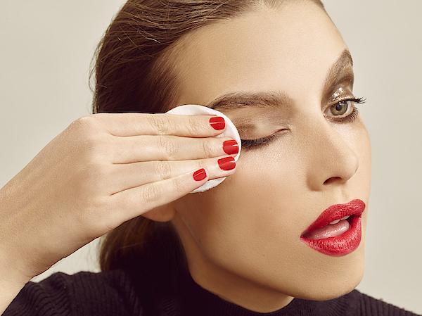 Beauty Photograph by Jonathan Storey