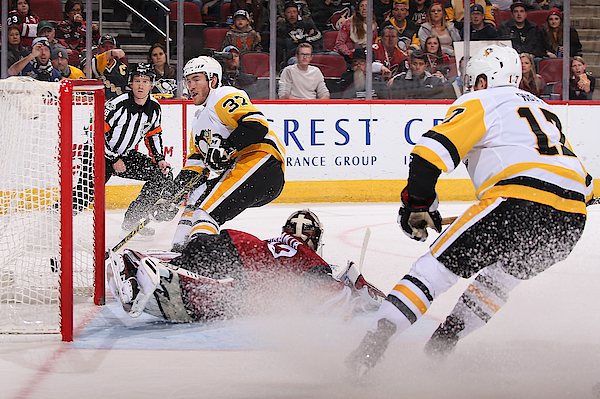 Pittsburgh Penguins V Arizona Coyotes Photograph by Christian Petersen