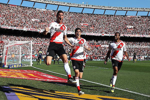 River Plate V Boca Juniors - Argentine Primera Division Photograph by Chris Brunskill Ltd