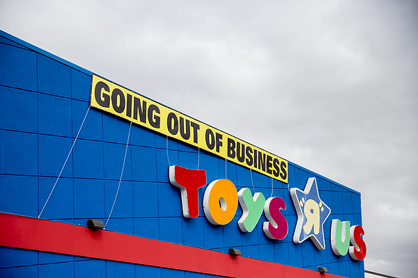 A Toys r Us Store As Company Gets 11th-hour Bid From Little Tikess Larian Photograph by Bloomberg