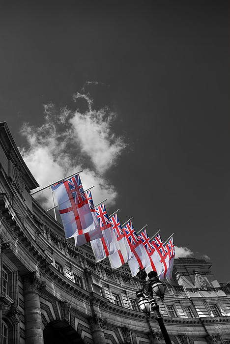 Admiralty Arch Photograph - Admiralty Arch London by Mark Rogan