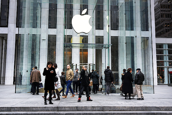 Apple Cuts Component Orders For Iphone5 As Demand Weakens Photograph by Spencer Platt