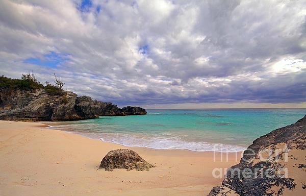 Bermuda Photograph - Bermuda Secret Beach by Charline Xia