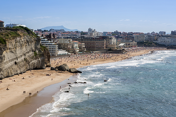 Biarritz - Beach Whith Many Tourists Photograph by Fhm