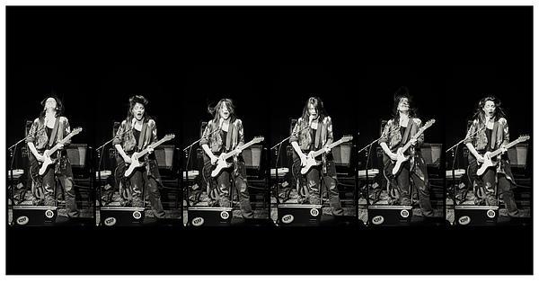Carolyn Wonderland Photograph - Carolyn Wonderland Rockin by Darryl Dalton