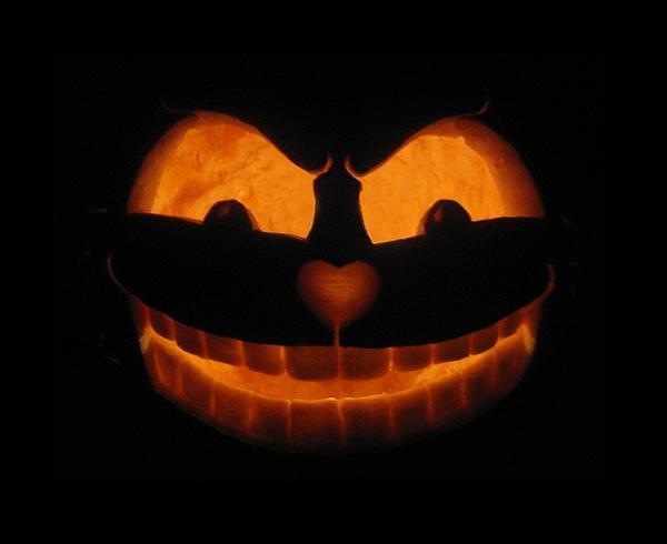 Pumpkin Sculpture - Cheshire Cat by Shawn Dall