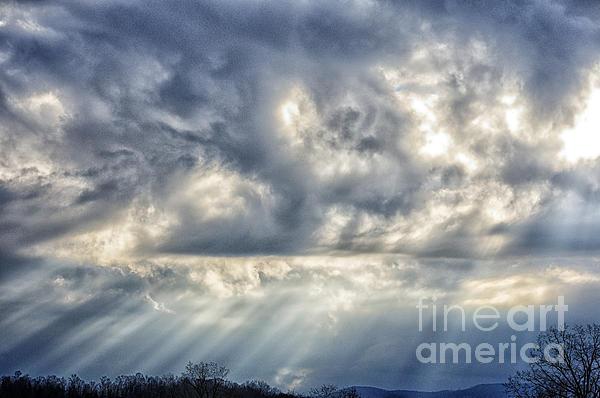 Sun Rays Photograph - Crepuscular Rays by Thomas R Fletcher