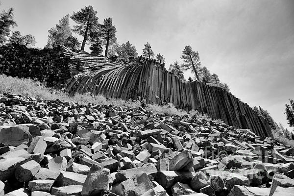 Devils Postpile Photograph - Devils Postpile National Monument by Terry Garvin