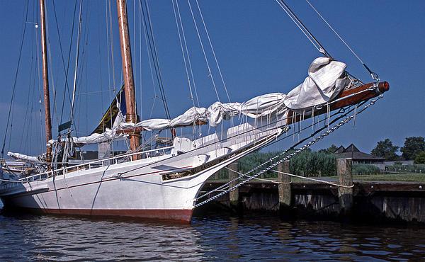Skipjack Photograph - Edna Lockwood by Skip Willits