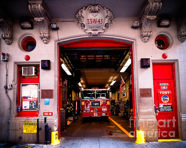 Fdny Photograph - Engine Company 65 Firehouse Midtown Manhattan by Amy Cicconi