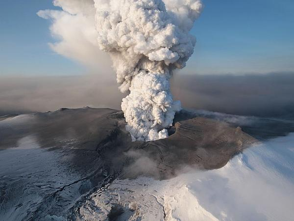 Volcano Photograph - Eyjafjallajokull6 by Siguringi Holmgrimsson