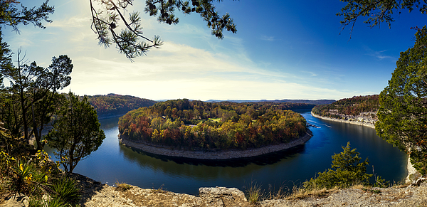 Garland Bend On Lake Cumberland Photograph by by Jonathan D. Goforth