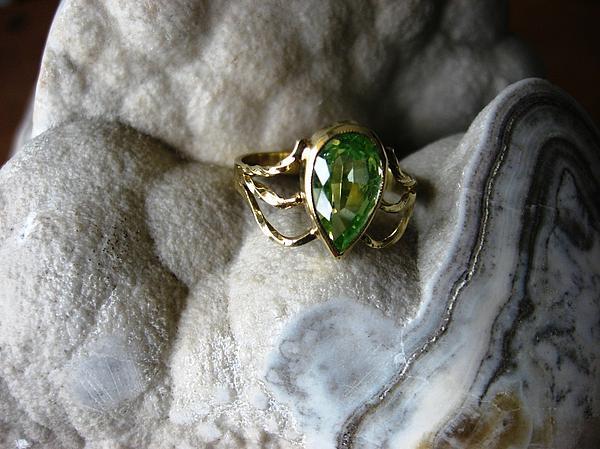 Golden Spring Touch Gold  Chrysolite Gemstone Ring Ladies Modern Elegant Jewelry - Golden Spring Touch - Ring by Leo Wildner