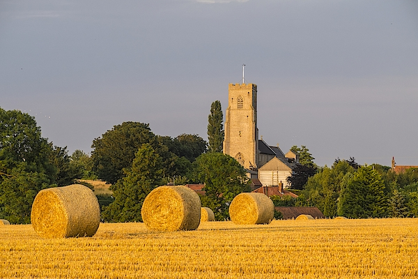 Harvest Scenes In The East Of England Photograph by GKS Images