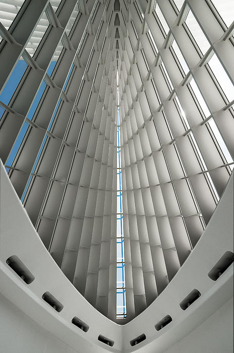 Milwaukee Art Museum Photograph - Interior Milwaukee Art Museum by Paul Plaine