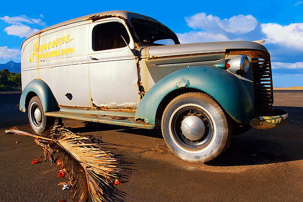 Jamesons Restaurant And Shops Photograph - Jamesons Truck by Ron Regalado