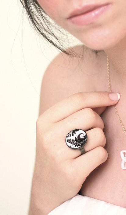 Black Ring Jewelry - Leaves In Black And White Ring by Rony Bank