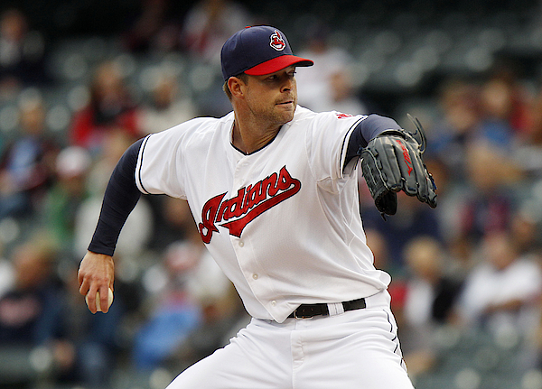 Minnesota Twins V Cleveland Indians - Game One Photograph by David Maxwell