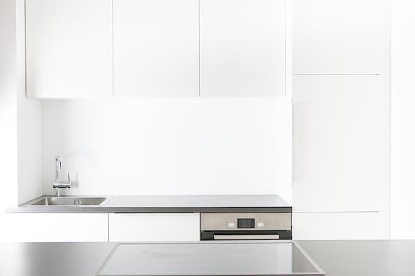 Modern Kitchen Photograph by Westend61