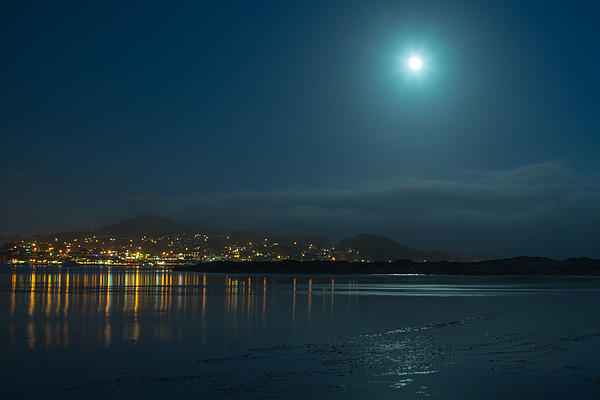 Morro Bay Photograph - Morro Bay At Night by Terry Garvin