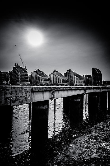 ascensis Tower Photograph - New Apartments Near Battersea by Lenny Carter