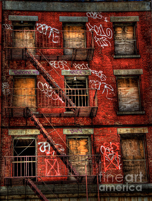 Abandoned Photograph - New York City Graffiti Building by Amy Cicconi