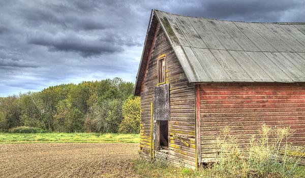 Oregon Photograph - Northwest Barn by Jean Noren