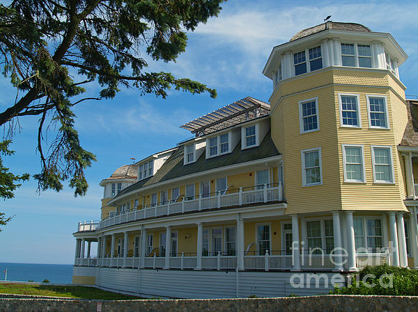 Ocean House Photograph - Ocean House Side View - Watch Hill by Anna Lisa Yoder