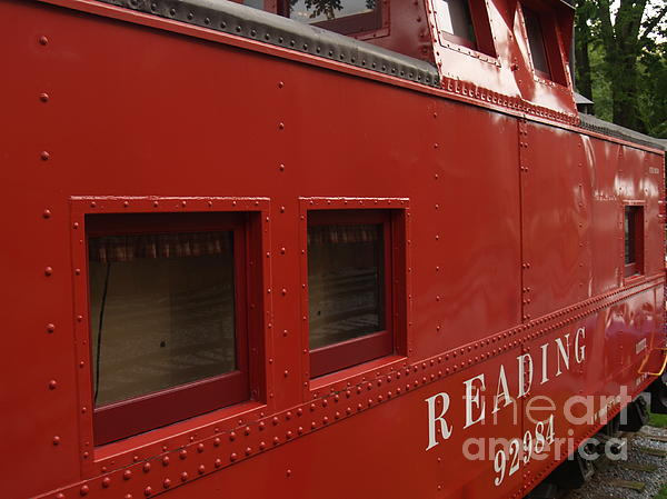 Caboose Photograph - Old Reading Rr Caboose In Lititz Pa by Anna Lisa Yoder