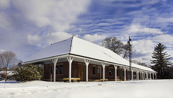 Orchard Park Photograph - Orchard Park Depot by Peter Chilelli