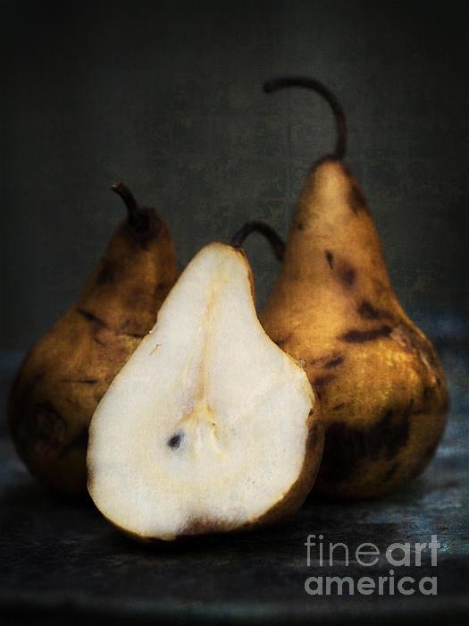 Fruit Photograph - Pear Still Life by Edward Fielding