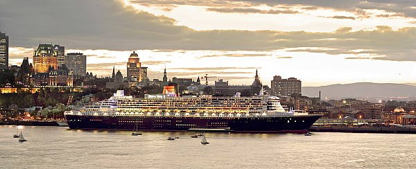 Light Photograph - Queen Mary II Cruise Ship, Chateau by Jean Desy