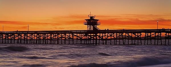 California Photograph - San Clemente Municipal Pier In Sunset by Richard Cummins