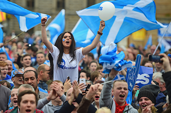 The Final Day Of Campaigning For The Scottish Referendum Ahead Of Tomorrows Historic Vote Photograph by Jeff J Mitchell