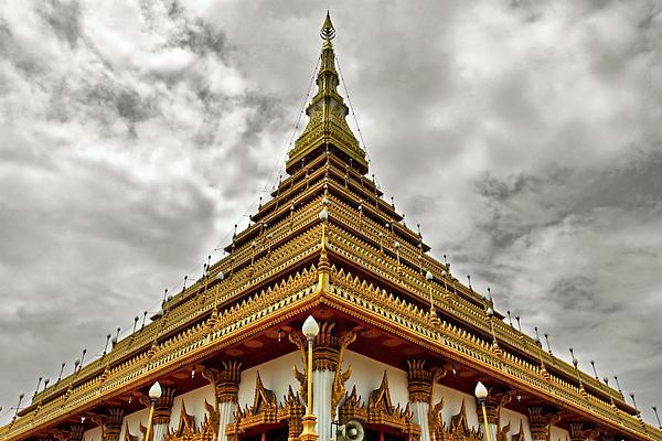 Nong Photograph - Triangle Pagoda by Suradej Chuephanich