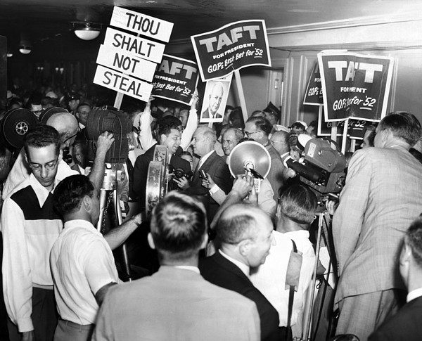 History Photograph - 1952 Republican National Convention by Everett