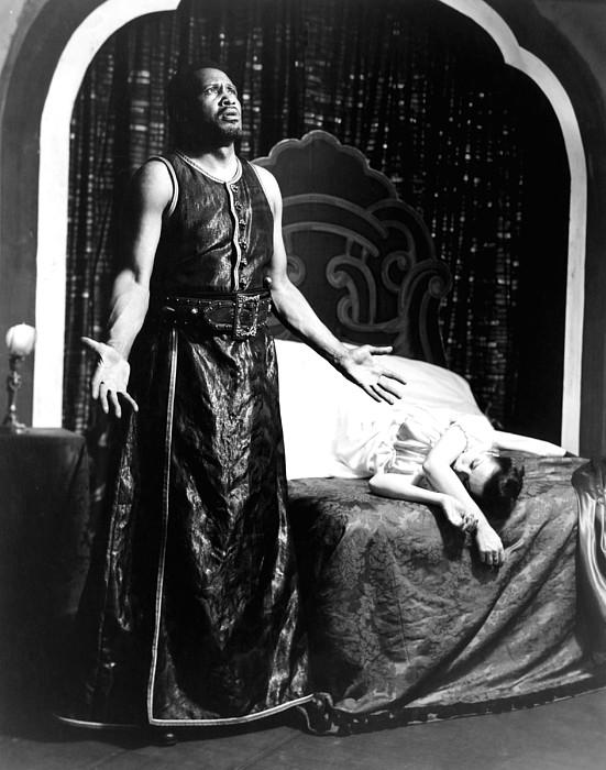 Othello, Uta Hagen As Desdemona, Paul Photograph by Everett