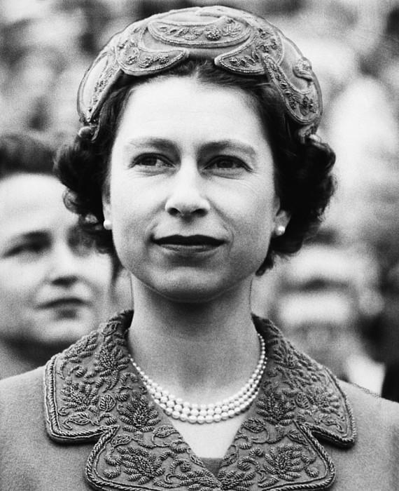 1950s Photograph - British Royalty. Queen Elizabeth II by Everett