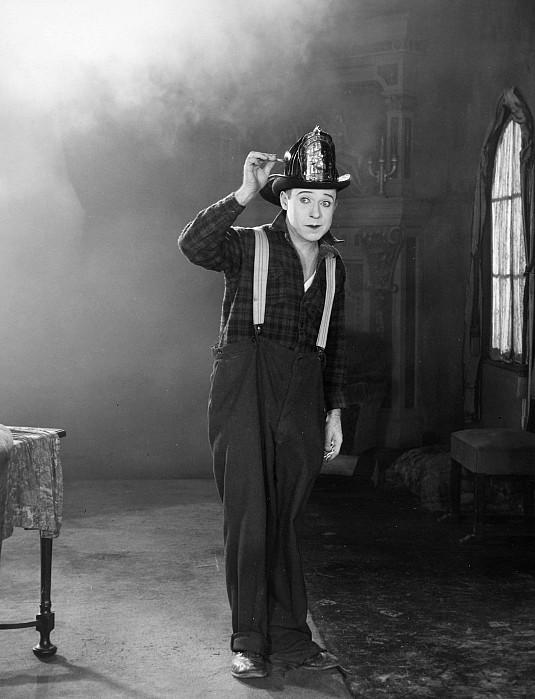 20th Century Photograph - Harry Philmore Langdon by Granger